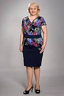 Шикарное летнее платье для полных женщин с ярким цветочным принтом