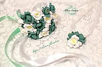 """""""Бело-мятные фрезии"""" комплект украшений с цветами: браслет и кулон ручной работы"""