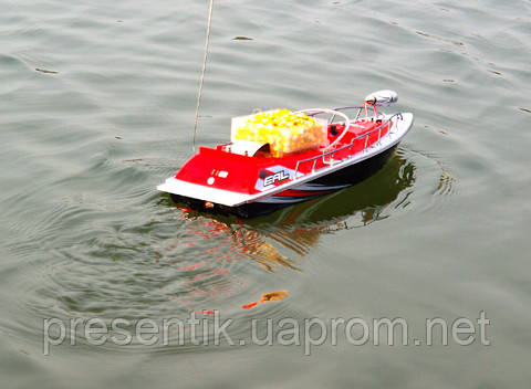 кораблик рыбалки завоза