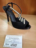 Босоножки черные натуральная замша на высоком каблуке украшены стразами