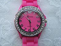 Часы Женева в стразах серебряный корпус : Розовые