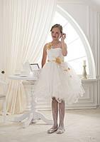 Волшебное детское платье с многослойной юбкой и нежной цветочной аппликацией