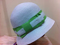 шляпа с маленькими полями   с салатовой полоской и бантом
