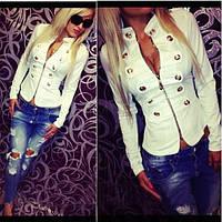 Женская блузка-пиджак.