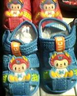 Детские сандалики сеточкой  с пищалкой,размеры 18-24   S327