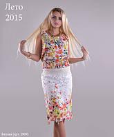 Нарядная молодежная блуза с очень  красивым цветочным принтом модного кроя