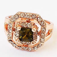 Женский позолоченный перстень. Камни вставки: горный хрусталь. Размеры 17, 20.