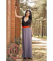 Платье с V-образным вырезом и поясом в комплекте