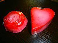 """Мыло """"Клубничный йогурт"""" с маслом макадамии, маслом какао, маком - легкий скраб"""