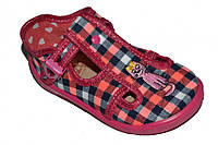 Детские летние закрытые сандалии для девочки с застёжкой (Розовые в клетку)