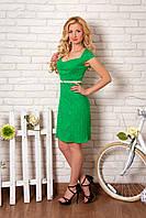 Платье летнее 862 зелёное из трикотажного гипюра короткое облегающее с сердцевидным вырезом горловины