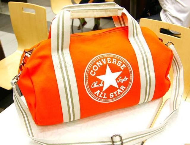 Модные спортивные сумки женские