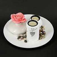 Подсвечник с цветами круглая подставка и роза в вазе XDS10