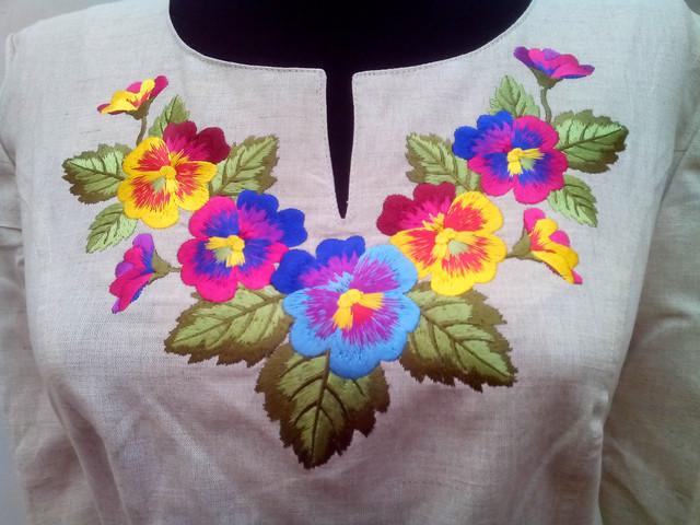Купить украинское вышитое платье - несколько рекомендаций для модниц.