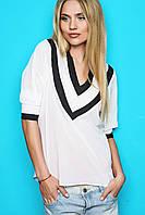 Белая блуза с черными вставками