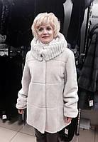 Шуба женская натуральная мутоновая короткая белая с капюшоном