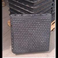 Люк пластиковый квадратный 680х680х85 с замком (черный)