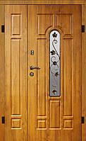 Купить полуторную входную дверь класса Элит Arma™ модель 105 тип 1 Стекло/Ковка