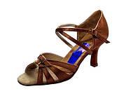 Танцевальная обувь женская