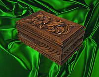 Шкатулка сувенирная в резьбе