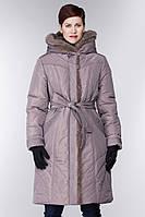 Пальто женское на синтепоне капюшон утеплён натуральным мехом.