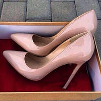 Туфли  Christian Louboutin реплика бежевые