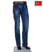 Молодежные стильные джинсы на осень.