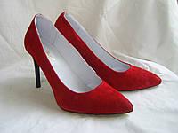 Классические замшевые туфли на шпильке 39 размер