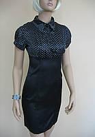 Черное в мелкий горошек платье из атласа в офисном стиле