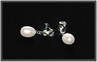 Серьги-гвоздики из высококачественного натурального жемчуга в серебре с фианитами