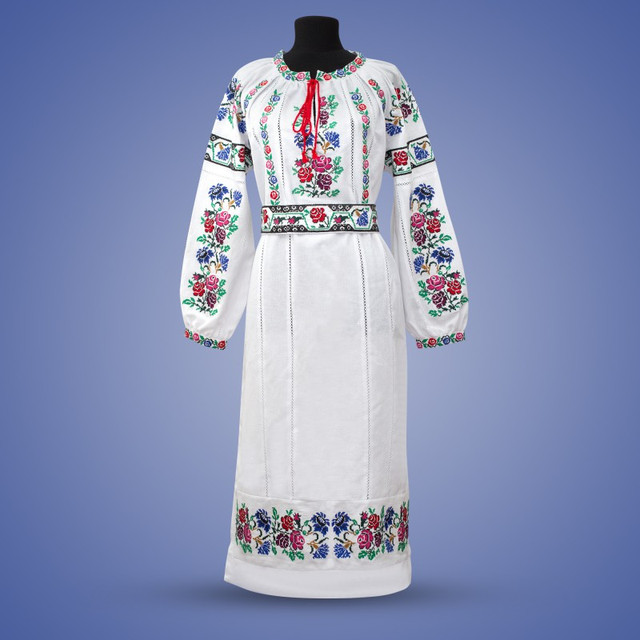 Фото нимфы в белом платье 2 фотография