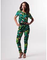 Женский костюм с тропическим принтом