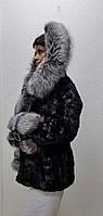 Шуба из норки с капюшоном и мехом лисы