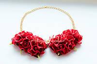 Ожерелье из красных цветов в виде воротничка