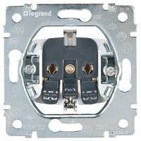 Розетка электрическая 2К+3 (16А, 250В , автоматические клеммы, немецкий стандарт) Legrand Galea Life (775920)
