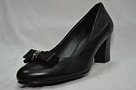 Черные кожаные туфли с бантиком на среднем каблуке. Большие размеры.