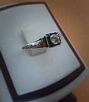 Охранное серебряное кольцо с камнем
