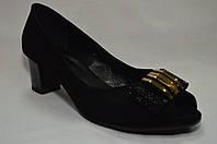 Черные замшевые туфли Erisses на среднем каблуке с открытым носиком.Большие размеры.