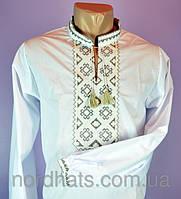 Стильная мужская сорочка вышиванка в белом цвте