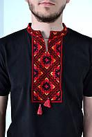 Мужская вышиванка с ярким орнаментом