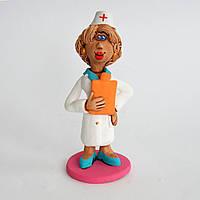 Глиняная статуэтка. Медсестра с грелкой. Украинский сувенир