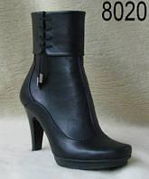 Женские кожаные осенние полусапожки на каблуке.