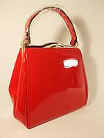 Лаковая красная сумочка в наличии, тренд года, расцветки