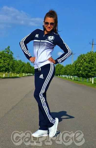 Женские весенние спортивные костюмы