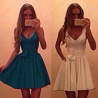 Красивое летнее платье с декольте