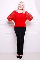 Стильные женские брюки из качественного материала, усыпанные стразами по вертикали. Такие брюки должны быть в