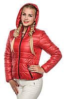Красная весенне-осенняя курточка женская