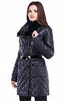 Стеганная зимняя куртка с меховым воротником удлиненная