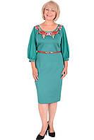 Нарядное женское платье с рукавом три четверти и вышивкой