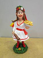 Интересный сувенир  - Статуэтка Украинка